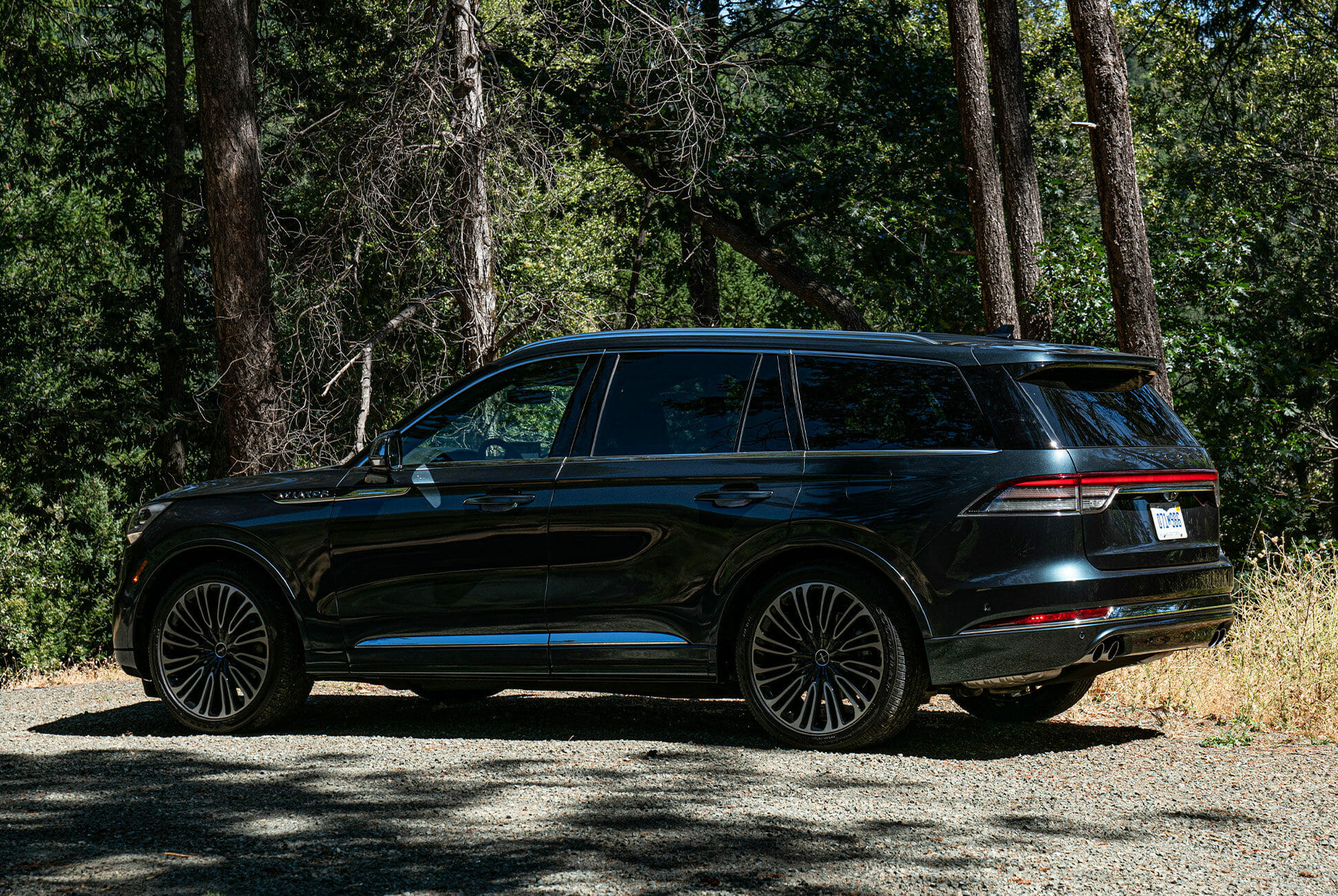 2020-Lincoln-Aviator-Review-gear-patrol-lead-slide-3