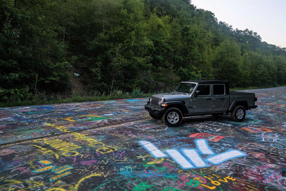 Graffiti Highway, with Jeep Gladiator.