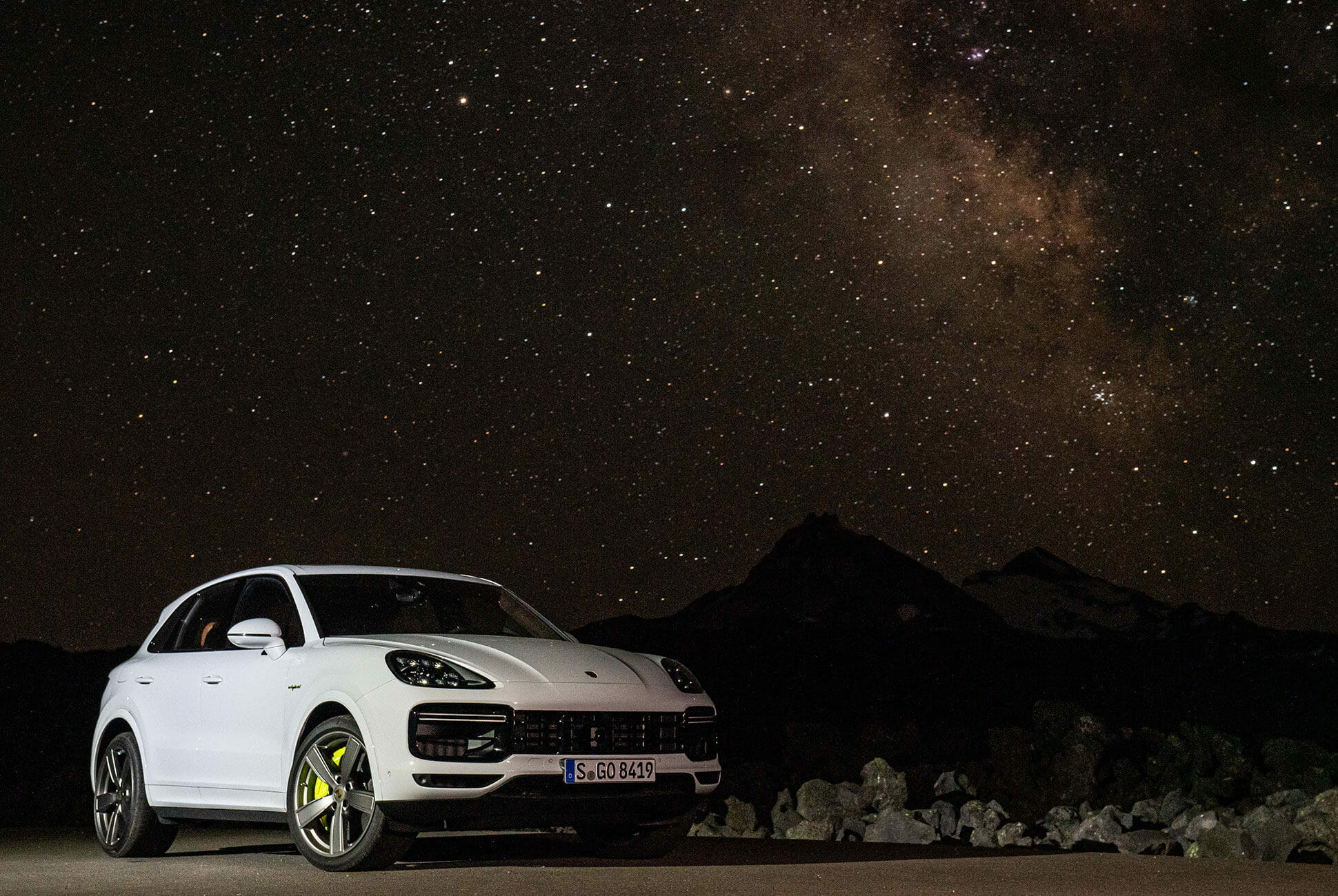 Pair-of-High-Tech-Porsche-Cayenne-Hybrids-gear-patrol-lead-slide-9