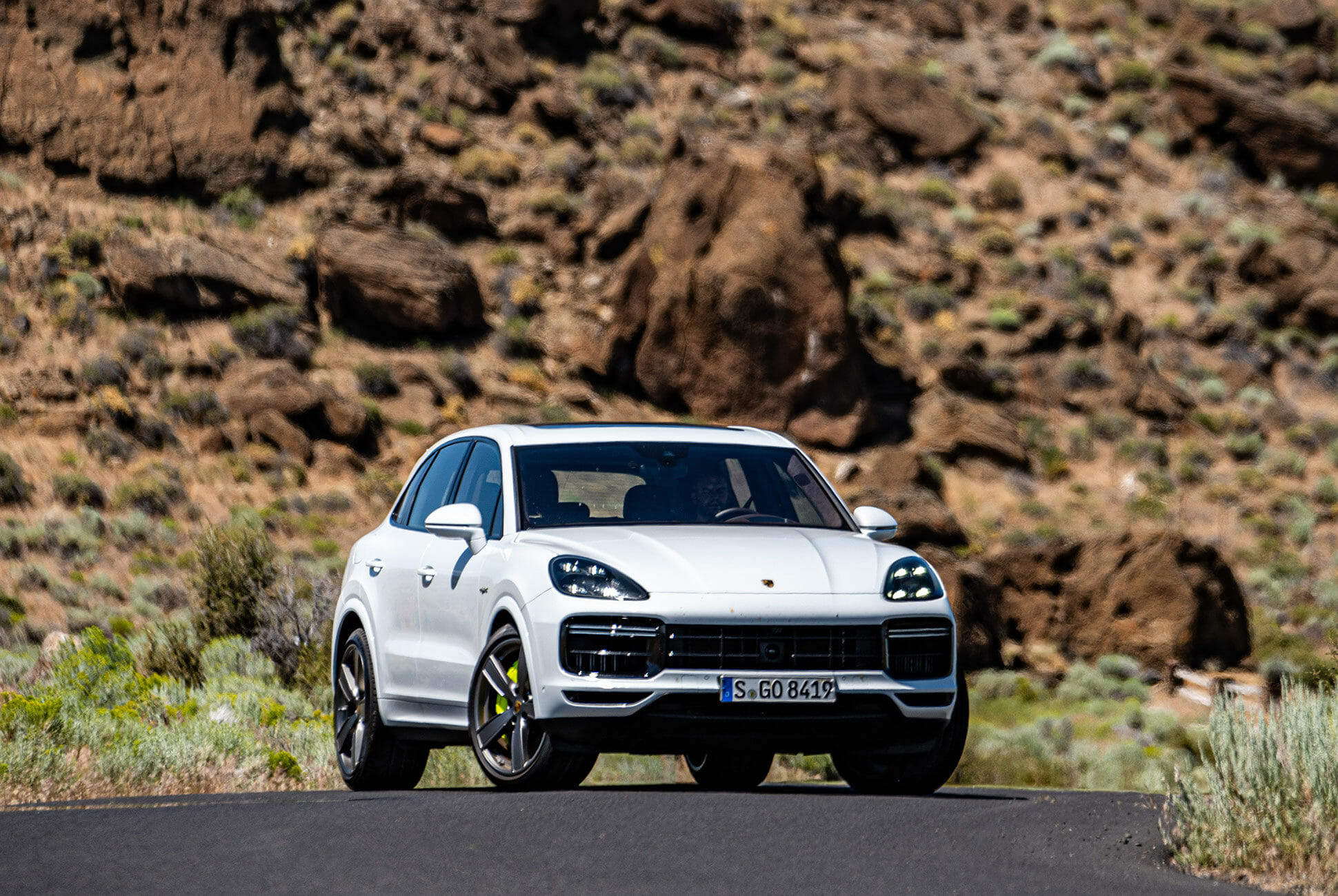 Pair-of-High-Tech-Porsche-Cayenne-Hybrids-gear-patrol-Fort-ambience-2
