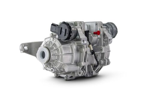 bronco sport's class exclusive twin clutch rear drive 4x4 system with differential lock feature is available for greater off road performance the system can divert virtually all rear axle torque to either wheel, setting bronco sport apart from other non premium subcompact utility vehicles